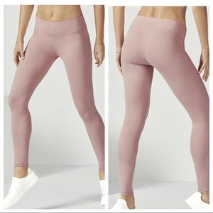 Fabletics • NEW Blush Powerform Leggings